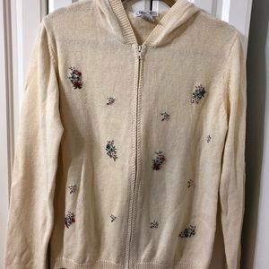 🎉CLEARANCE Cherokee Hooded Sweater Size L
